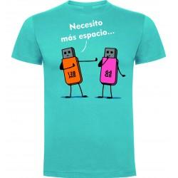 """Camiseta """"Pendrive necesito espacio"""""""